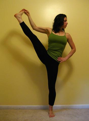 posture hatha yoga  debout jambe tendue  utthita hasta